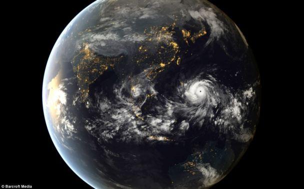 Tayfun Haiyan Filipin adalarına yaklaşırken. Fotoğraf, Japon meteoroloji uyduları tarafından çekilmiş.